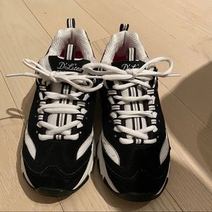 Sketchers Size 7 D'Lites Sneakers Black and White